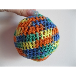 Háčkovaná hračka pro psa míček